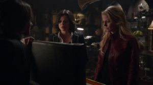 Gold shows Emma and Regina the sword